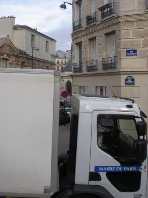 La Mairie de Paris en covisibilité avec l'église Saint Bernard (12 décembre 2013).
