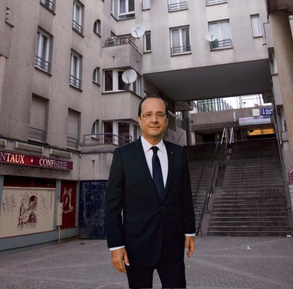 François Hollande au pied des marches (image GC, 2012).