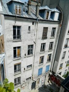 5 rue Myrha cour (Photo JRB).