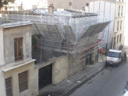 Le 24 rue Cavé en cours de municipalisation finale (automne 2011).