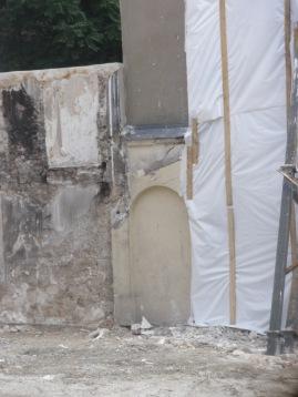 La porte secrète du 70 rue Myrha (août 2013).