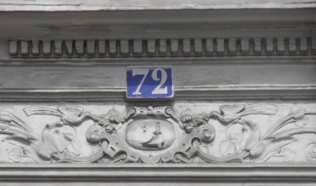 2 et 72 rue Myrha (août 2013).