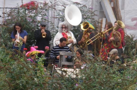 Le jardin de la Goutte verte fêtait Fleur le 5 octobre en fanfare.