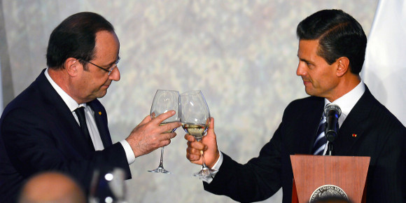 Mano sur le corazon (Photo Alfredo EStrella/AFP).