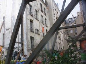 Fenêtres sur cour aux quatre vents et mille pigeons.
